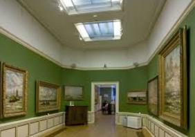 expositie ruimte met lichtkoepel